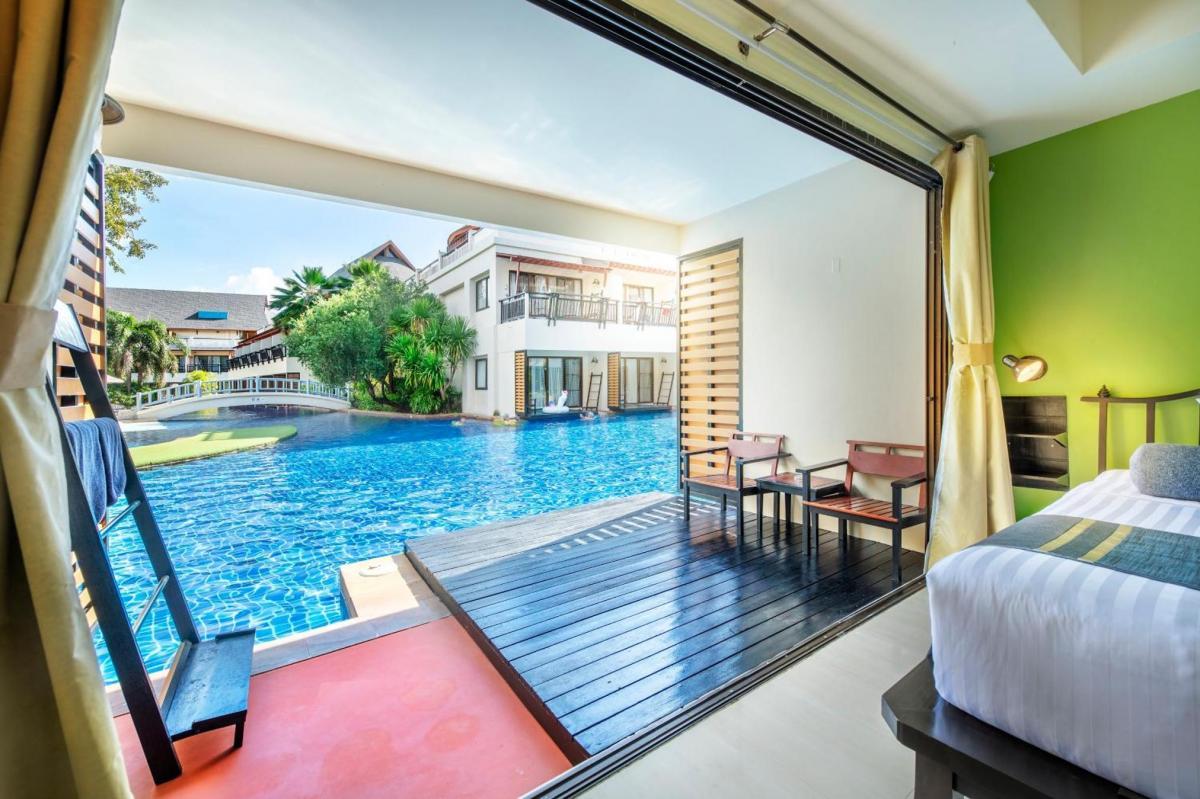 Hotel with private pool - Lanta Cha-da Resort