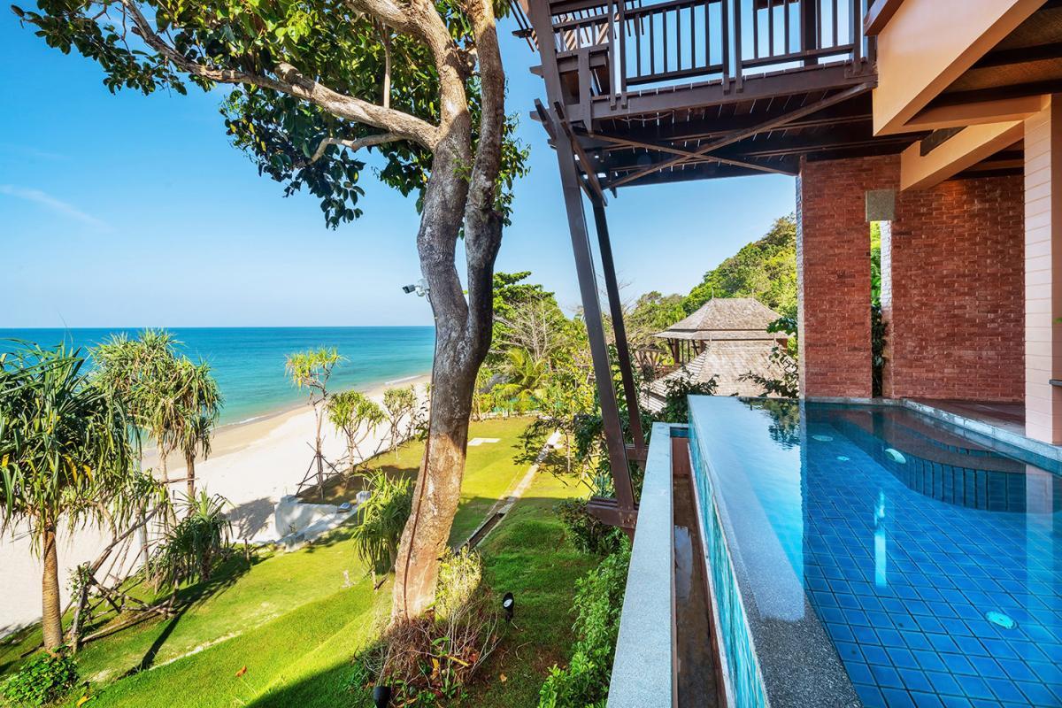 Hotel with private pool - Nirvana Beach Resort & Spa