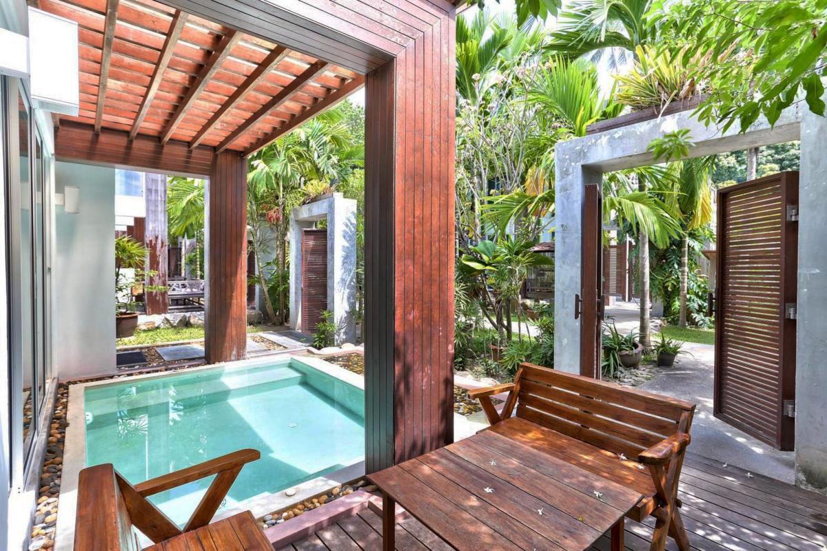 Hotel with private pool - Sairee Hut Resort Koh Tao