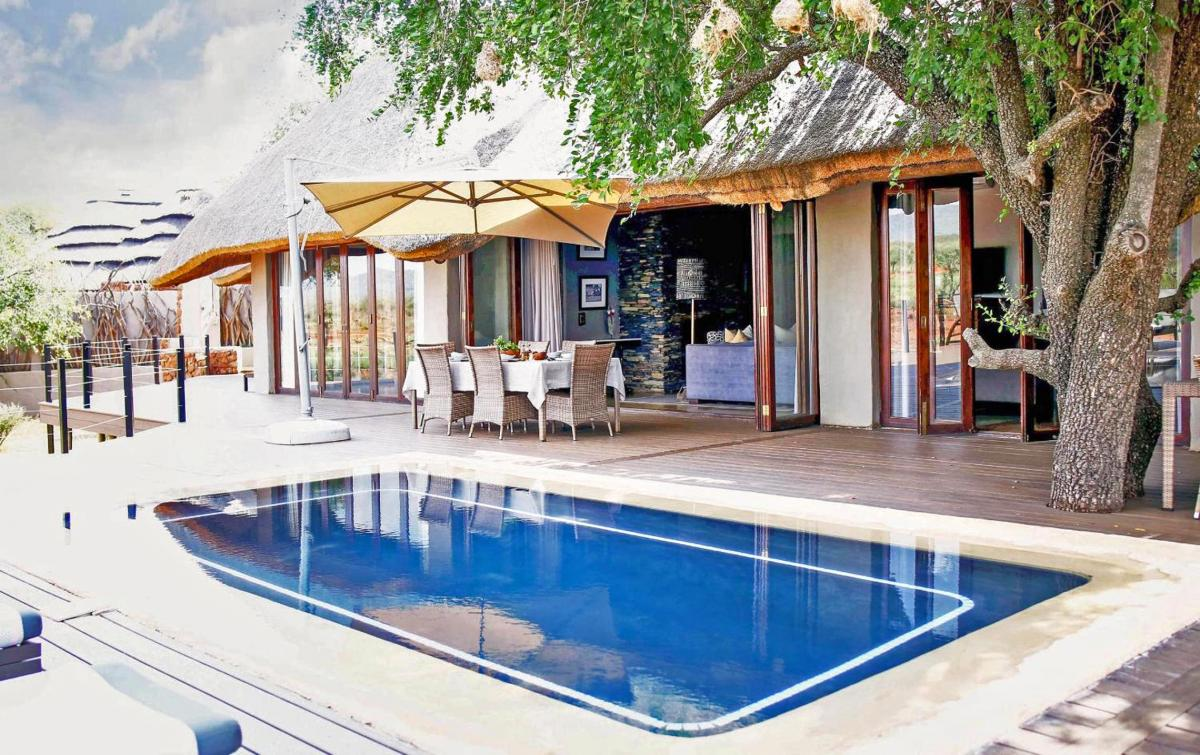 Hotel with private pool - Madikwe Hills Private Game Lodge
