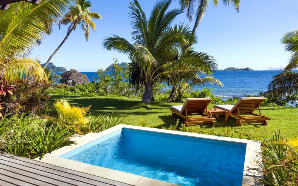 Hotel with private pool - Matamanoa Island Resort