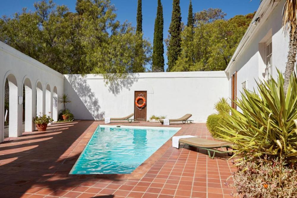 Hotel with private pool - Lord Milner Hotel