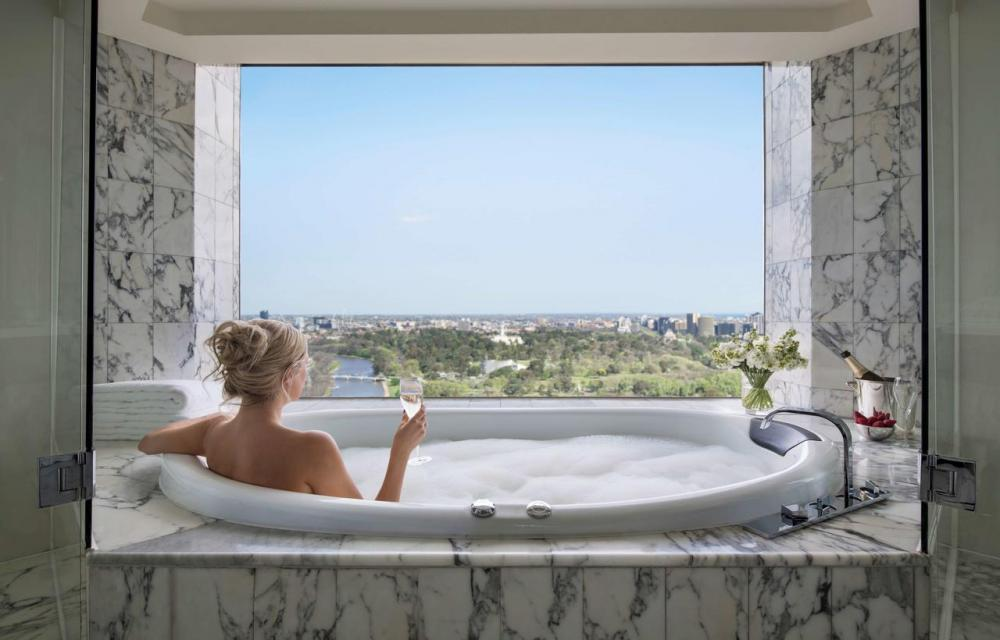 Hotel with private pool - Grand Hyatt Melbourne