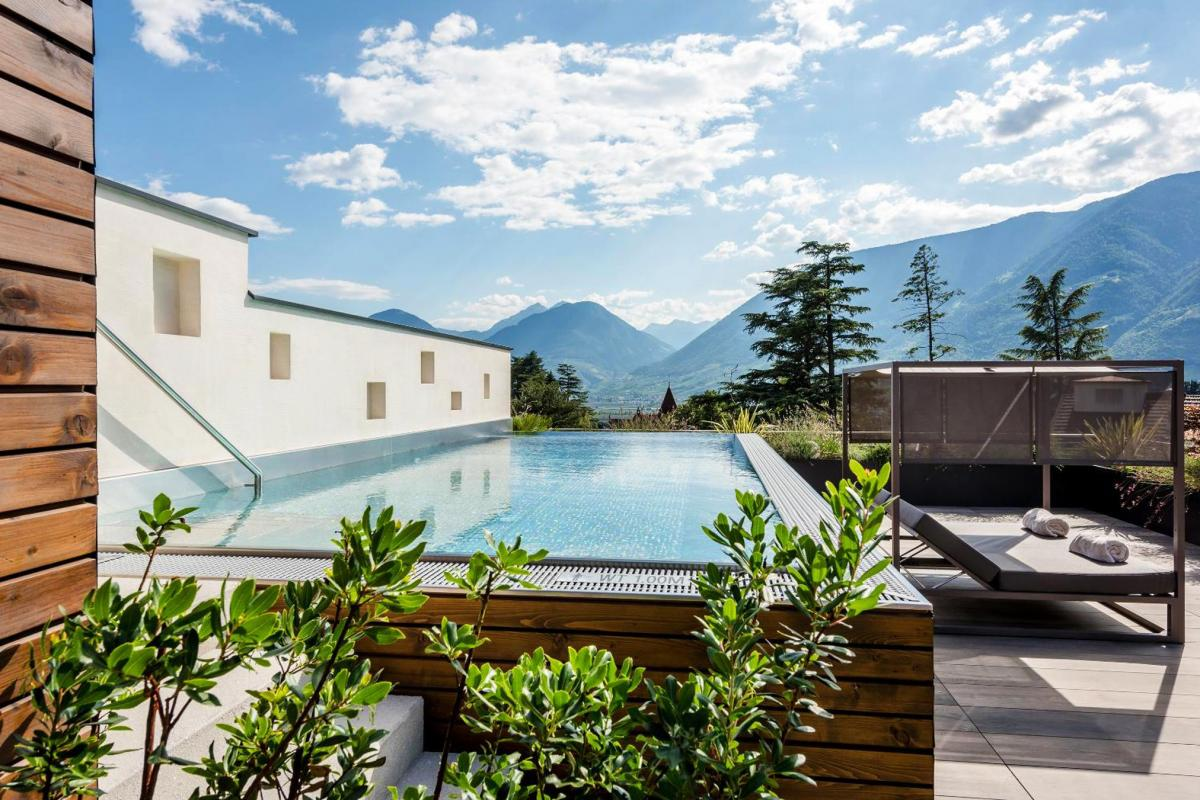 Hotel with private pool - Hotel Ansitz Plantitscherhof