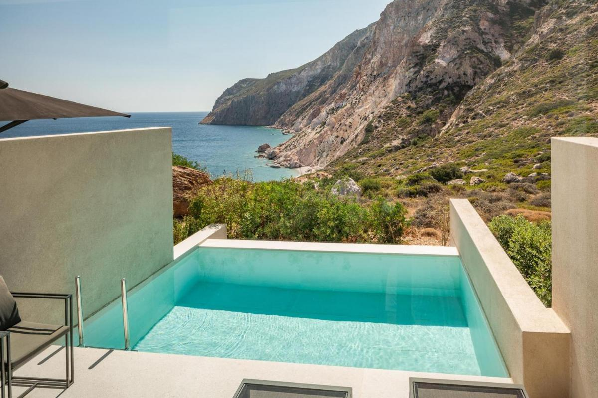 Hotel with private pool - Milos Cove