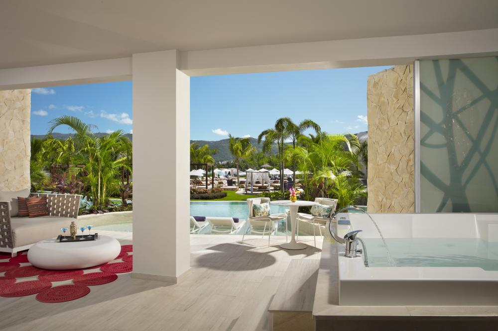 Hotel with private pool - Breathless Montego Bay