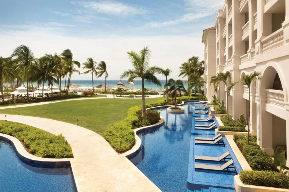Hotel with private pool - Hyatt Ziva Rose Hall - All Inclusive