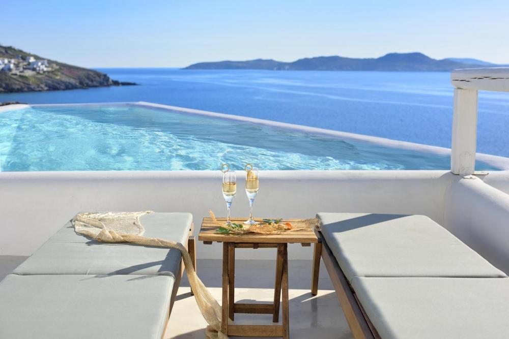 Hotel with private pool - Amazon Mykonos Resort & Spa