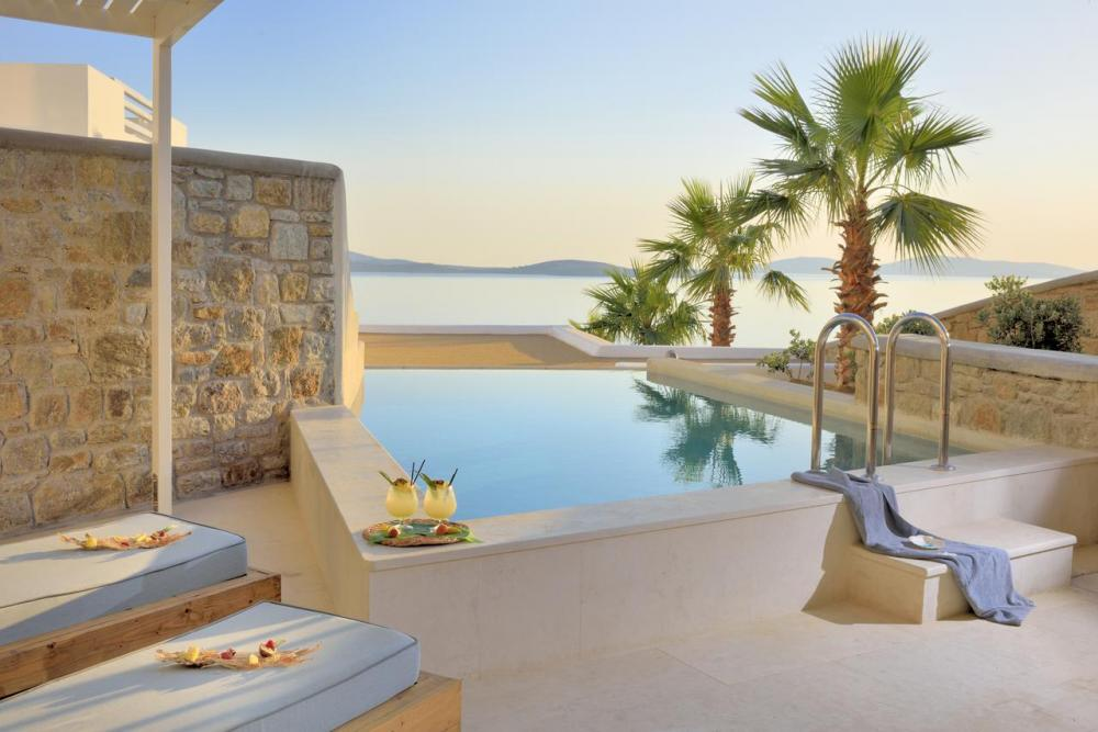 Hotel with private pool - Anax Resort and Spa