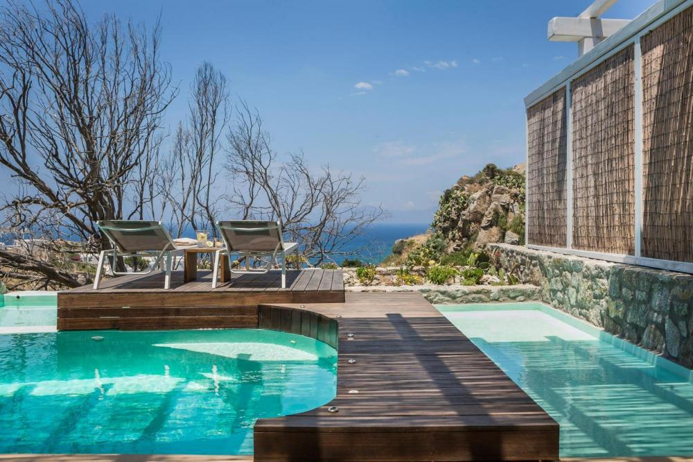 Hotel with private pool - KLIDON Dreamy Living Suites