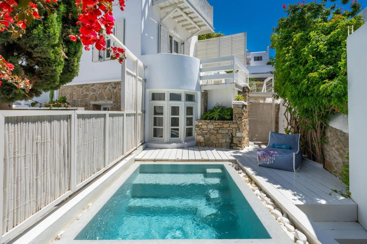 Hotel with private pool - Semeli Hotel