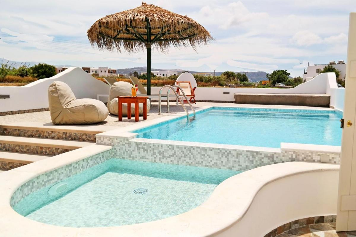 Hotel with private pool - Aegean Land