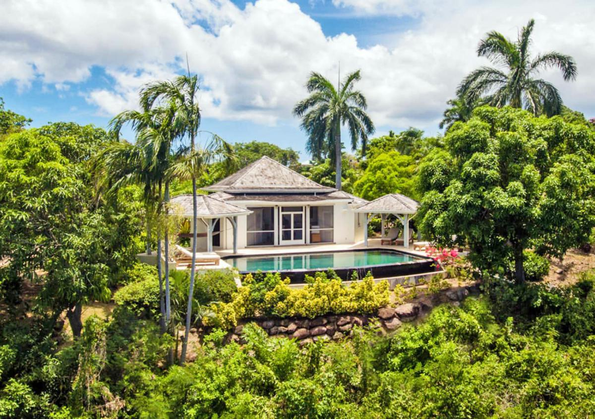 Hotel with private pool - Four Seasons Resort Nevis