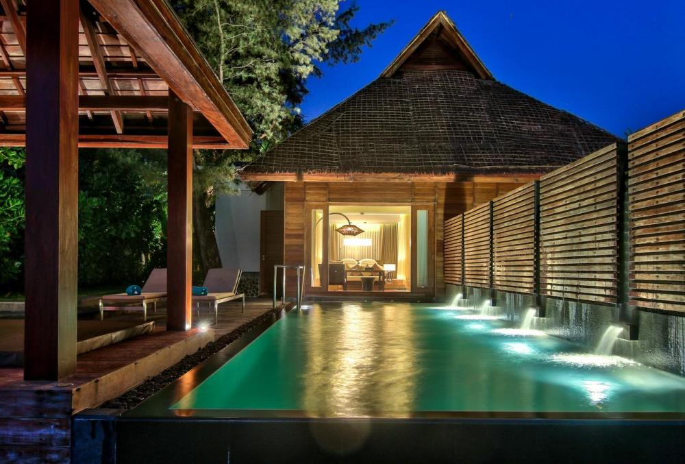 Hotel with private pool - Hilton Ngapali Resort and Spa