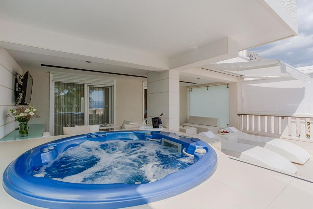 Hotel with private pool - Damianii Luxury Boutique Hotel & Spa