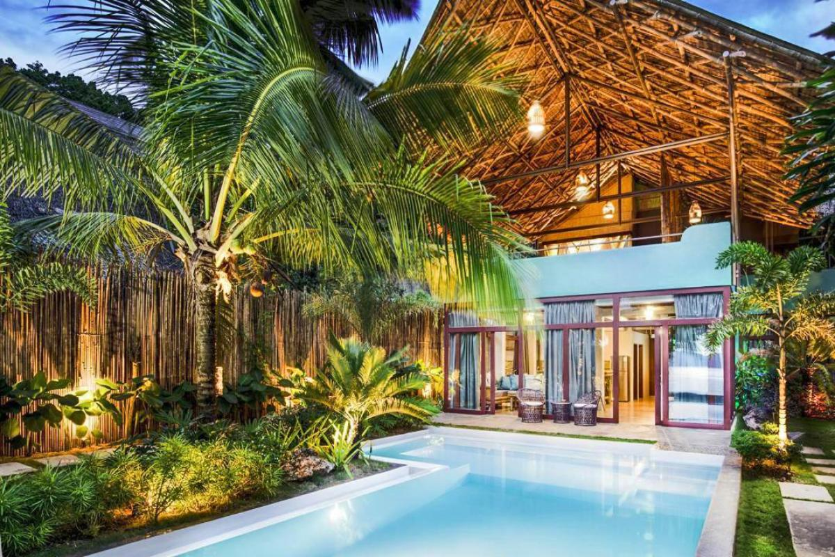 Hotel with private pool - Buko Beach Resort
