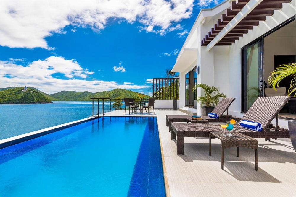 Hotel with private pool - Busuanga Bay Lodge