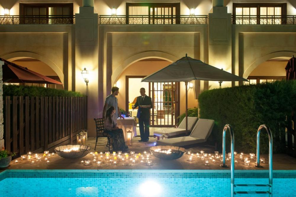 Hotel with private pool - Elysium