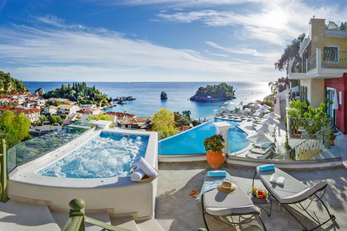 Hotel with private pool - Irida Boutique Hotel