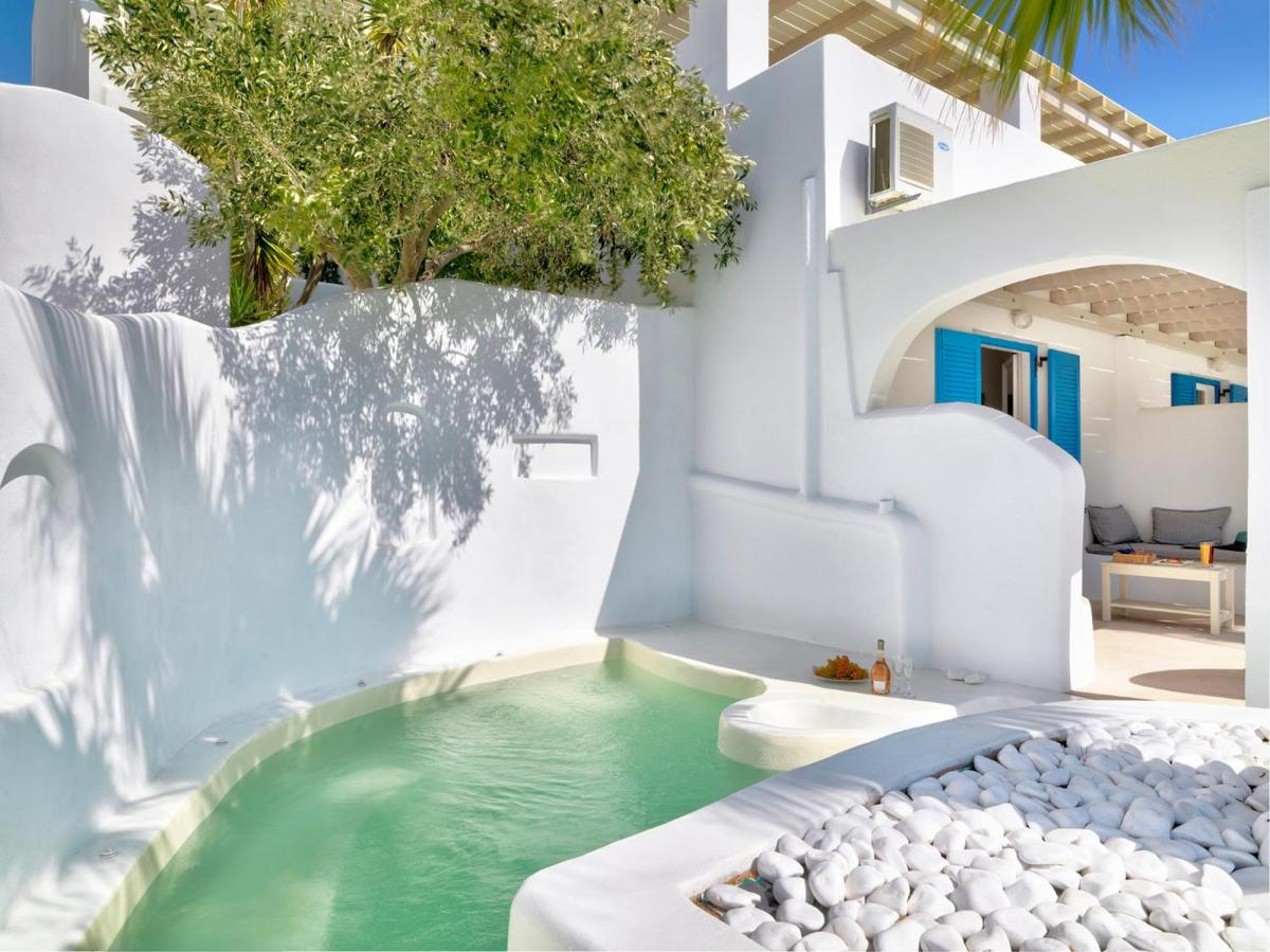 Hotel with private pool - Aloni Hotel