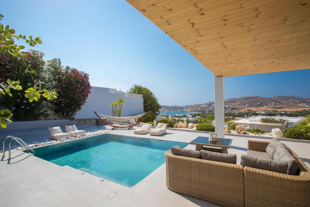 Hotel with private pool - Paros Palace