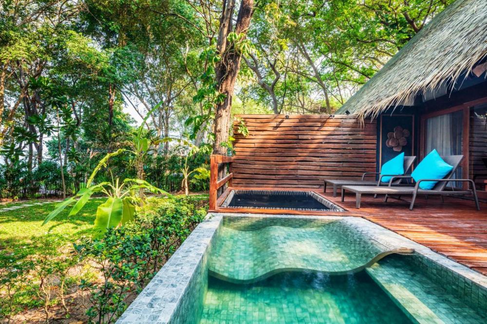 Hotel with private pool - The Monttra Pattaya