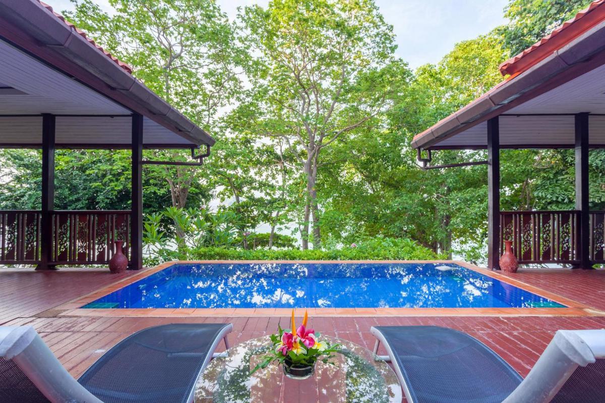 Hotel with private pool - Phi Phi Natural Resort