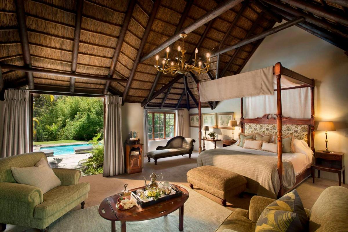 Hotel with private pool - Hunter's Country House