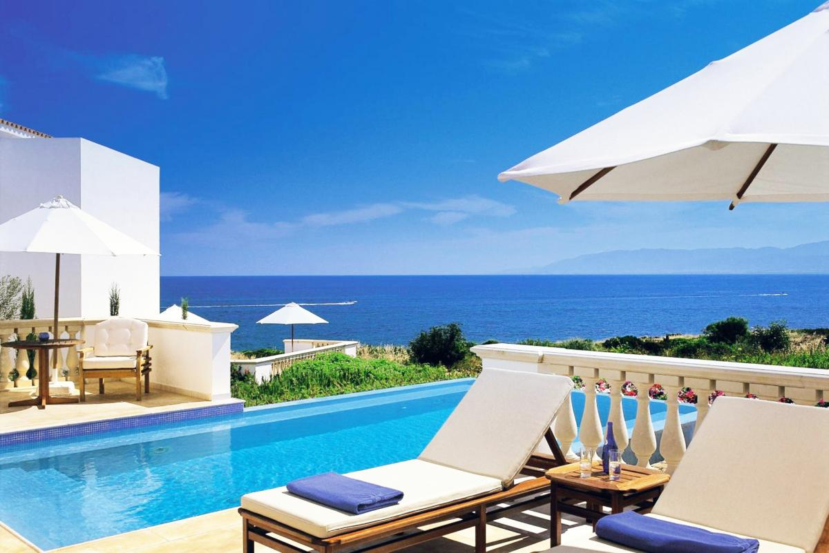 Hotel with private pool - Anassa