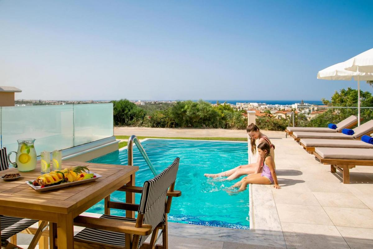 Hotel with private pool - Louis St. Elias Resort & Waterpark