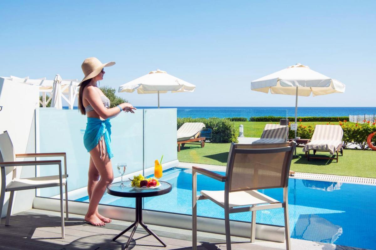 Hotel with private pool - Pernera Beach Hotel