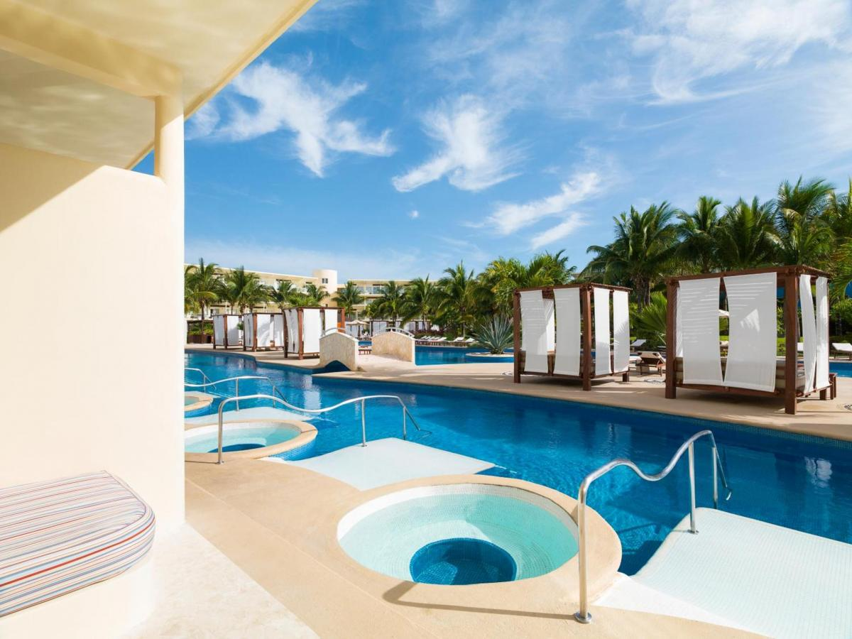 Hotel with private pool - Azul Beach Resort Riviera Cancun, Gourmet All Inclusive by Karisma
