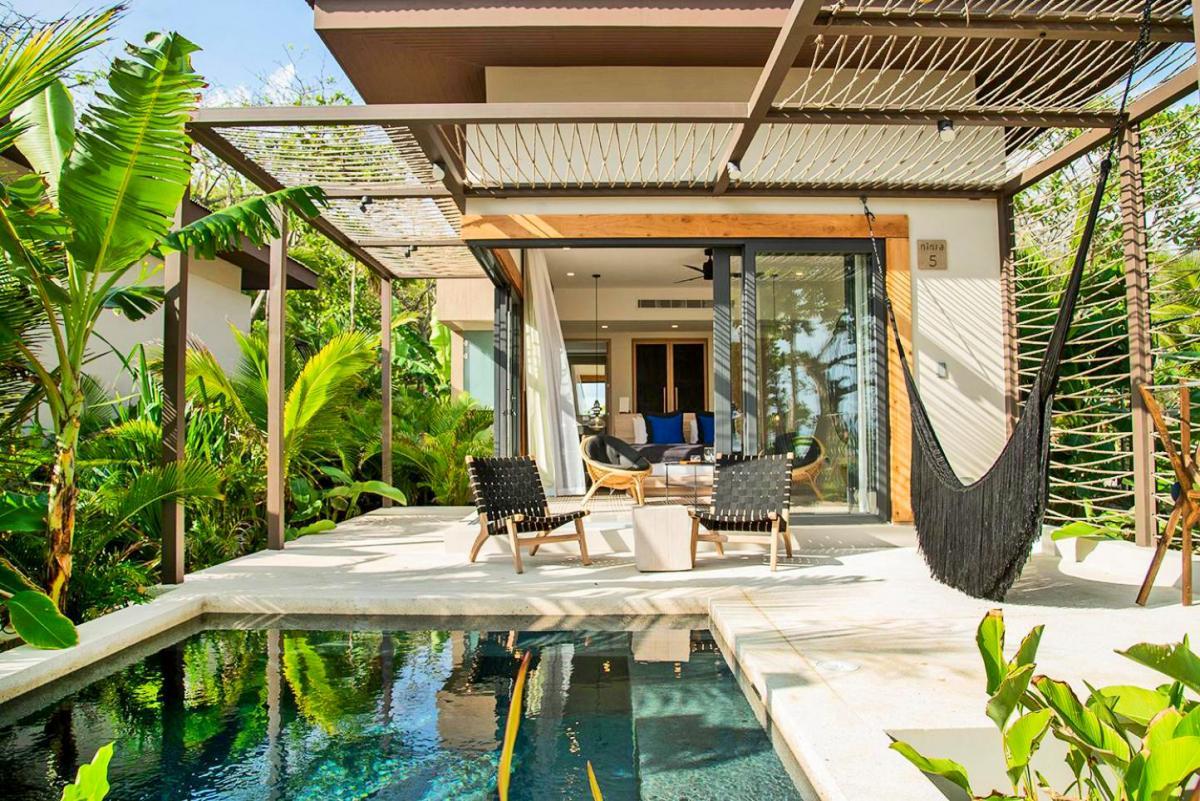 Hotel with private pool - Hotel Nantipa - A Tico Beach Experience