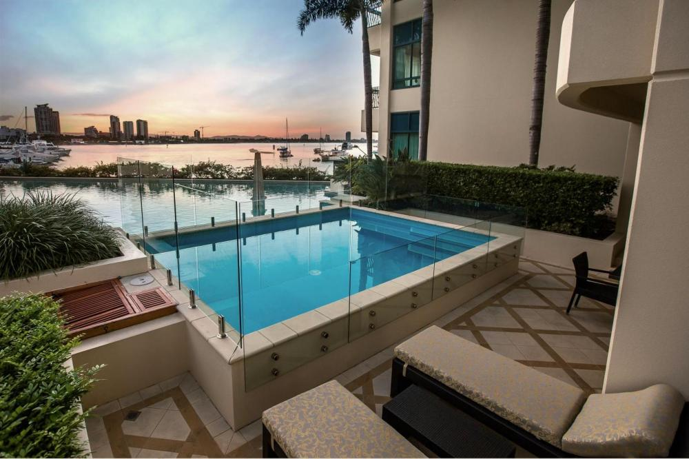 Hotel with private pool - Palazzo Versace