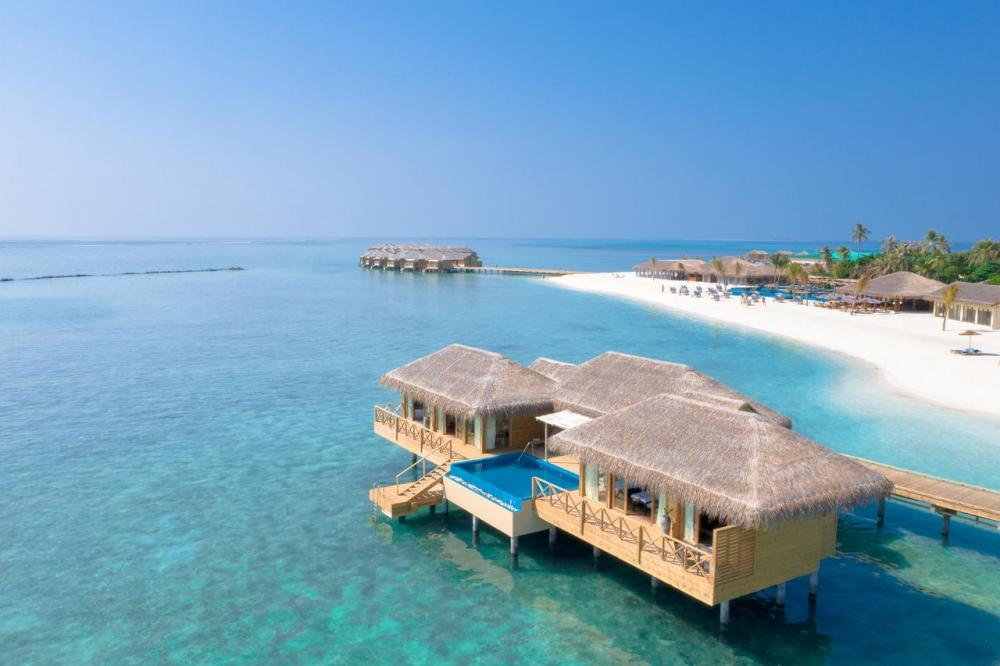 Hotel with private pool - You & Me Maldives