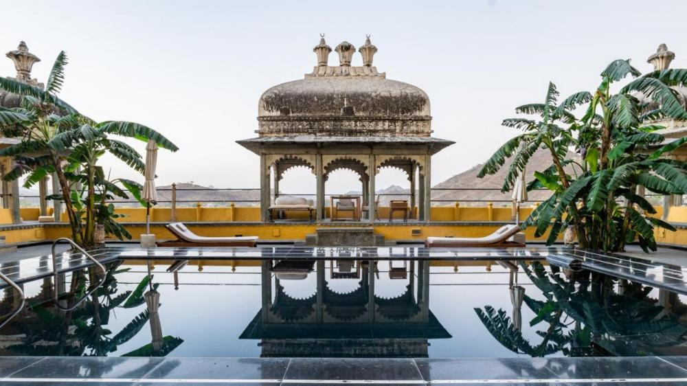 Hotel with private pool - RAAS Devigarh