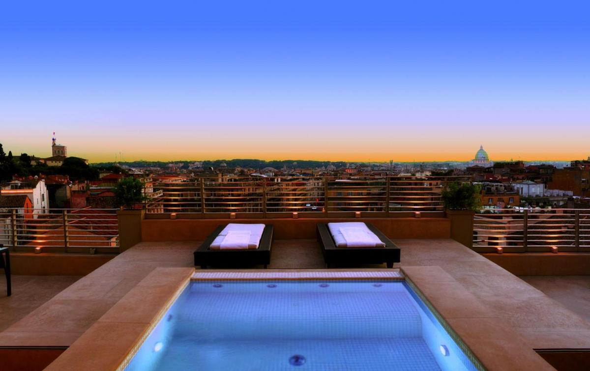 Hotel with private pool - Sina Bernini Bristol