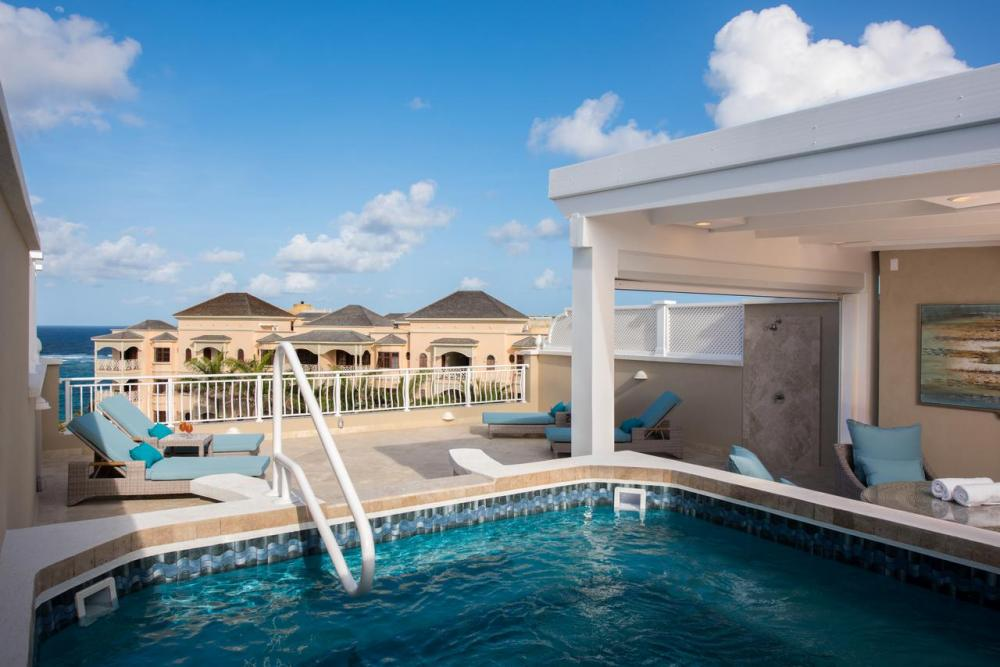 Hotel with private pool - The Crane Resort
