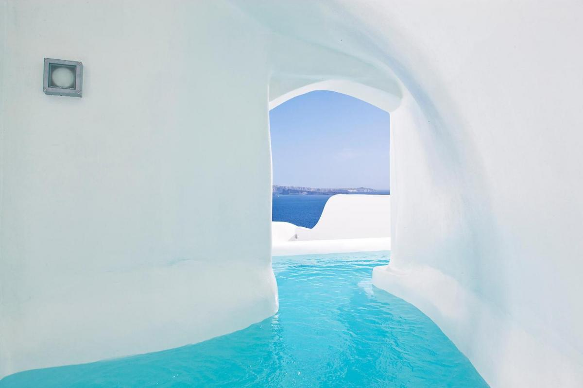 Hotel with private pool - Canaves Oia Boutique Hotel