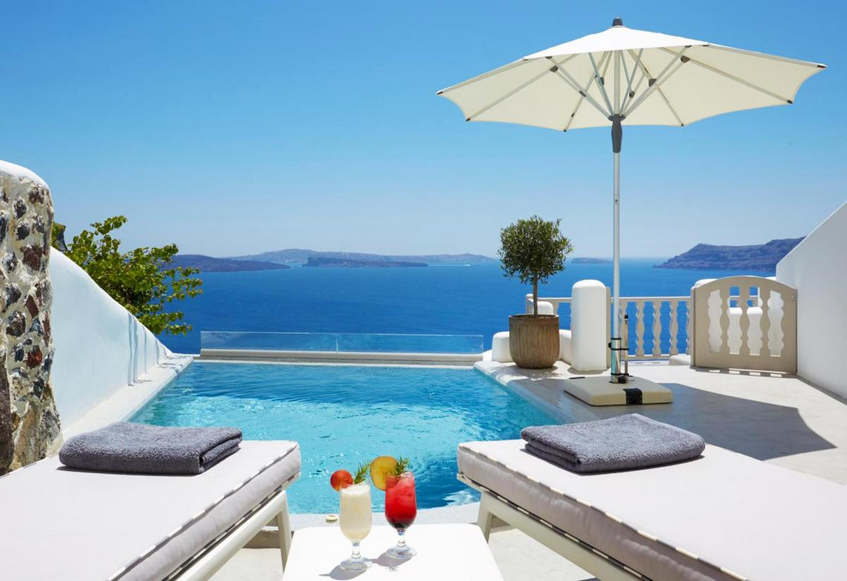 Hotel with private pool - Filotera Suites