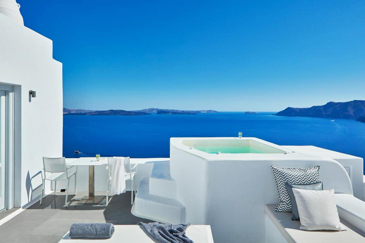 Hotel with private pool - Katikies Villa Santorini - The Leading Hotels Of The World