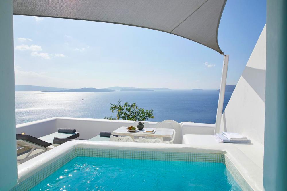 Hotel with private pool - La Perla Villas and Suites