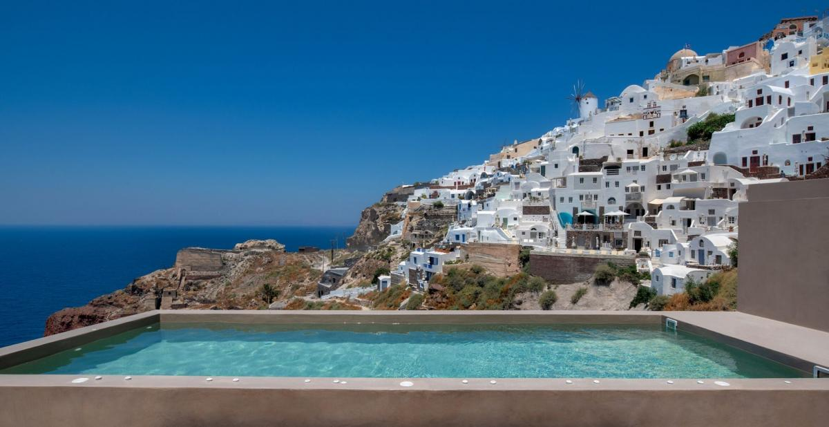 Hotel with private pool - Old Castle Oia