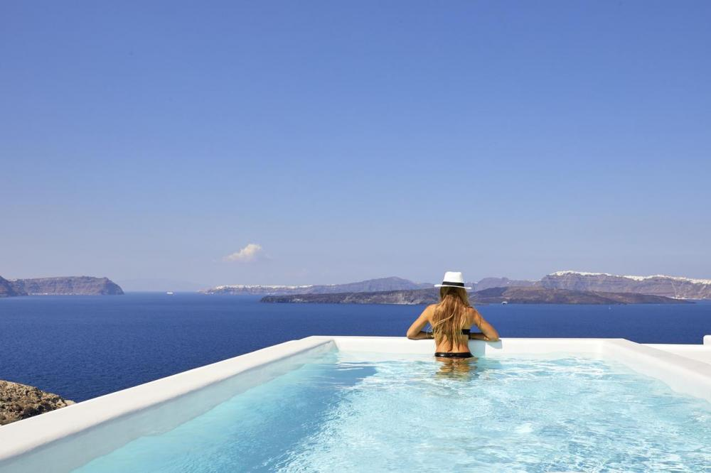 Hotel with private pool - Phos The Boutique