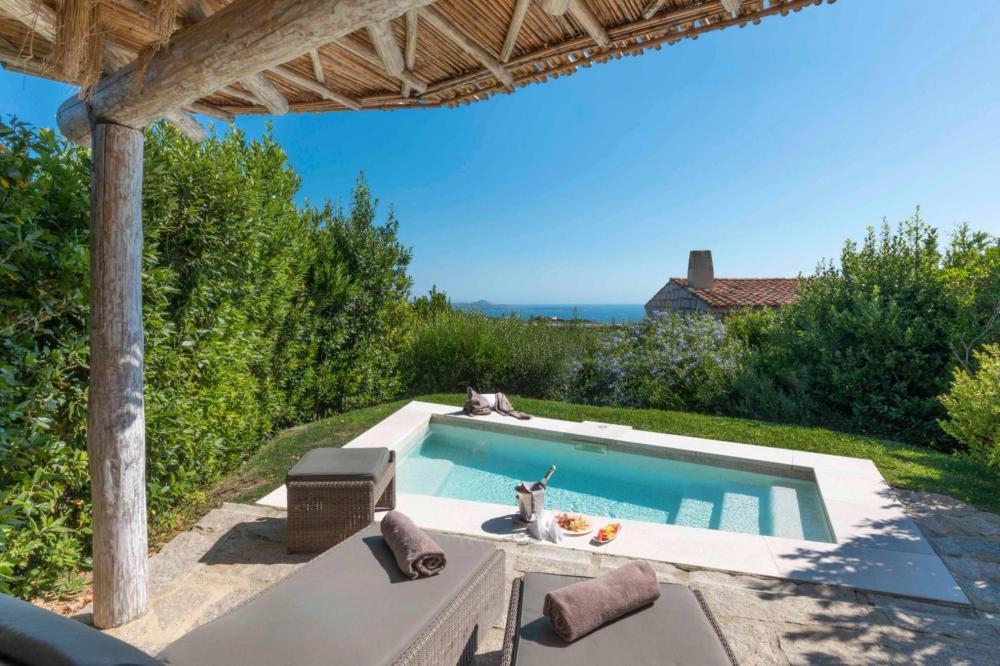 Hotel with private pool - Hotel Li Finistreddi