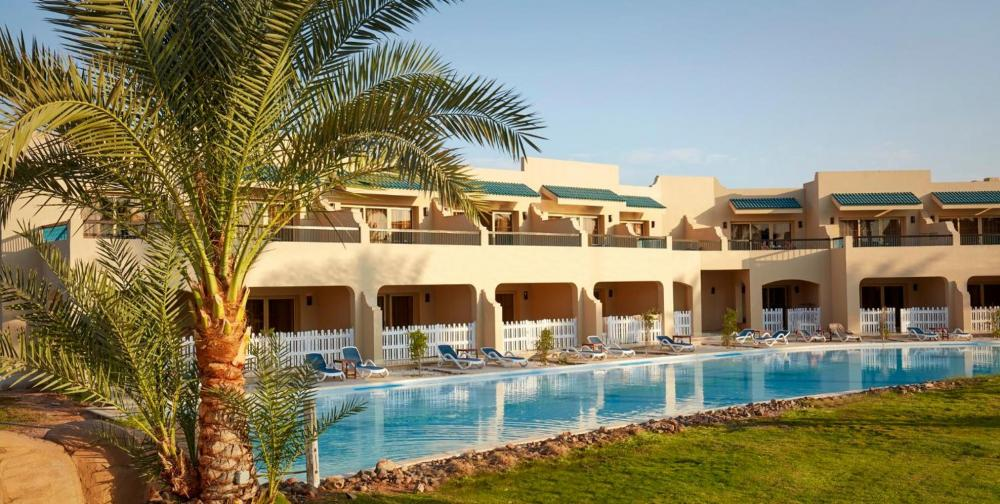 Hotel with private pool - Coral Sea Holiday Resort and Aqua Park