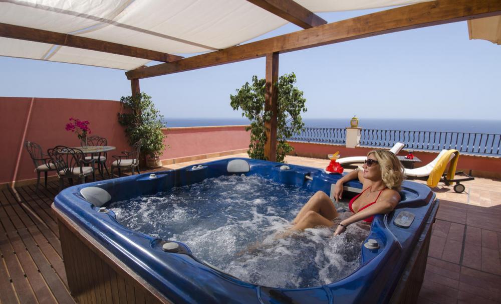 Hotel with private pool - Baia Taormina Hotels & Spa