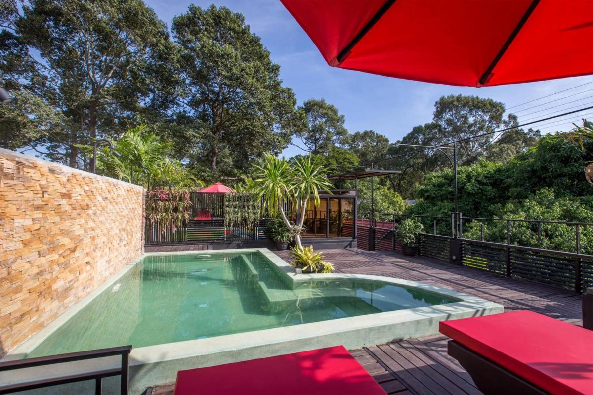 Hotel with private pool - De Sarann Villa