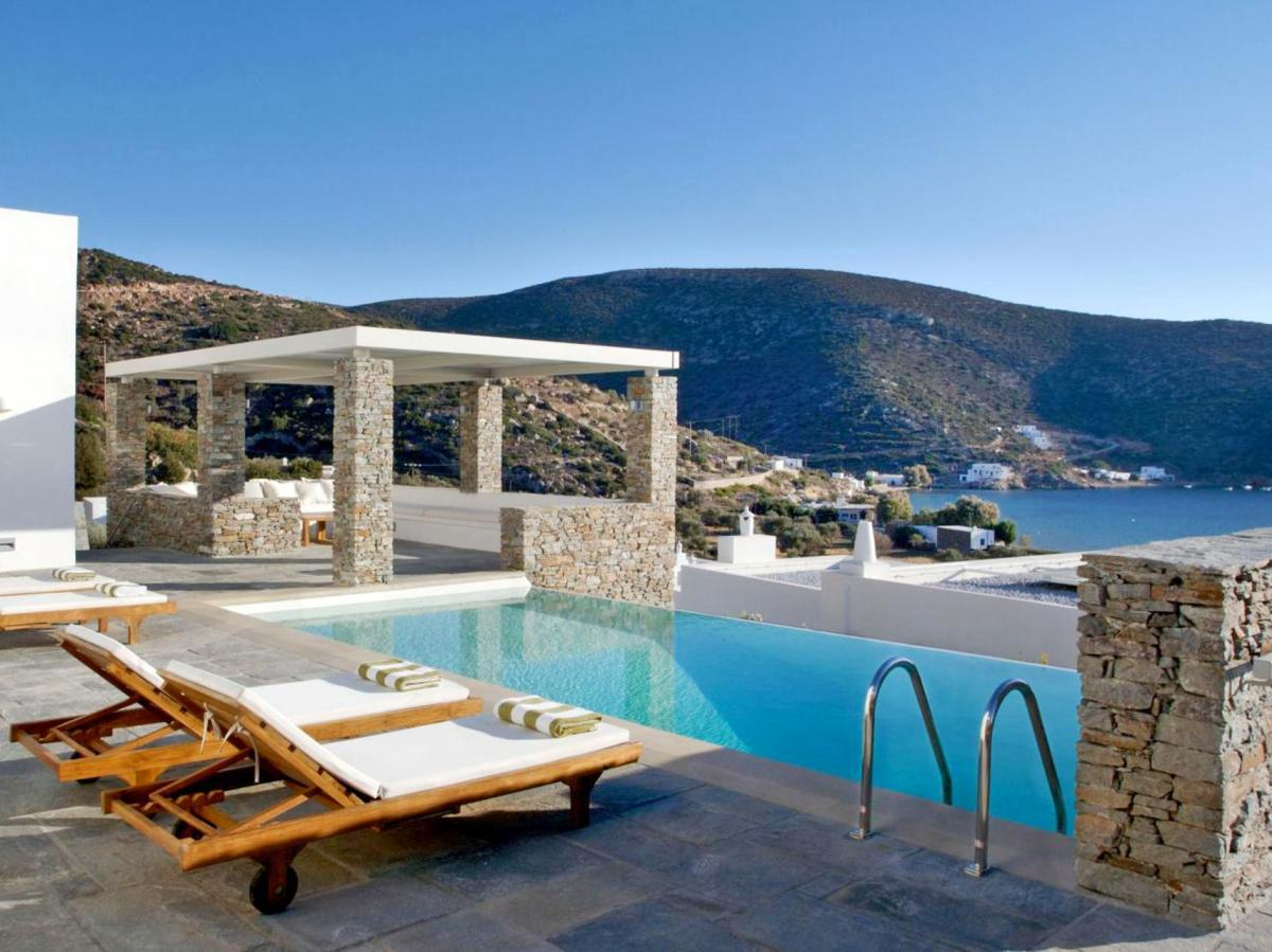Hotel with private pool - Elies Resorts