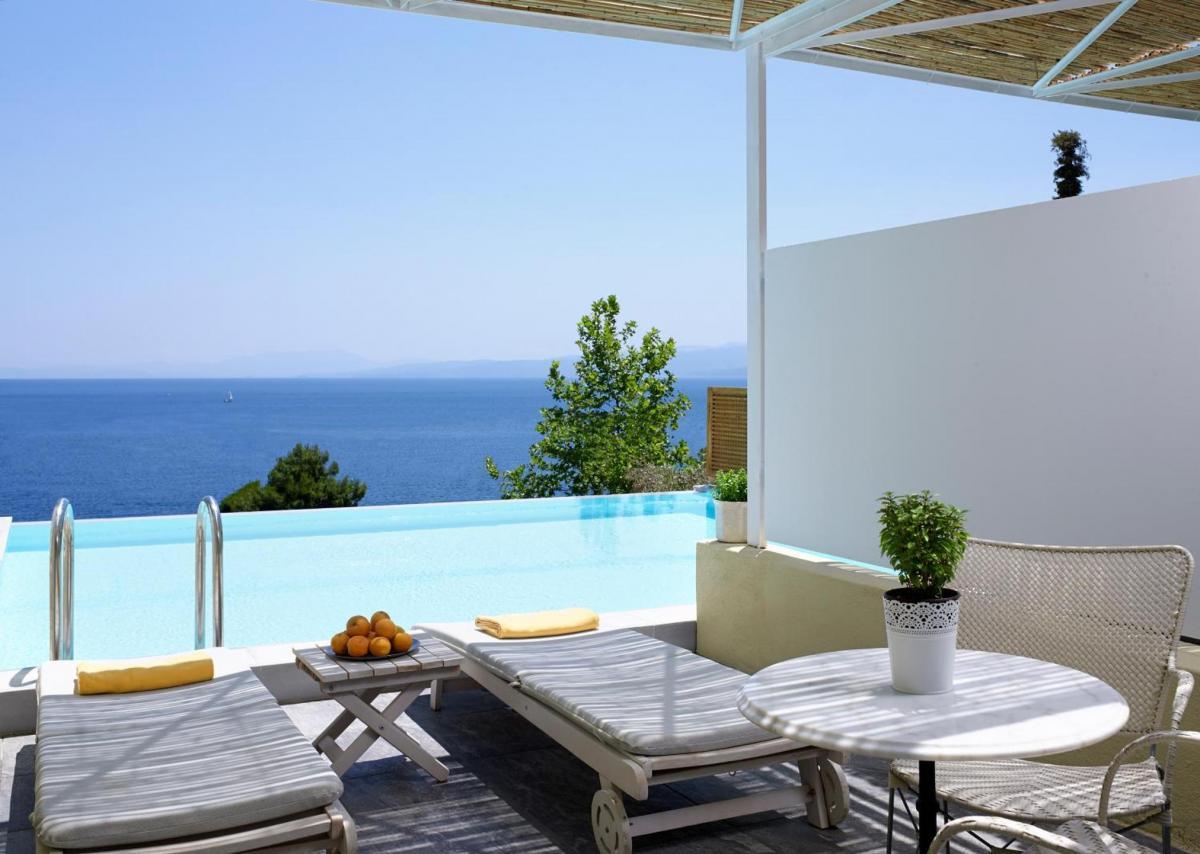 Hotel with private pool - Atrium Hotel